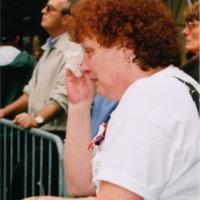 woman_weeping_at_WTC_site0062.TIF